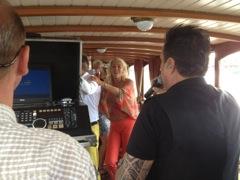 gezellige rondvaart op luxe salonboot Hilda met zanger Mick Harren