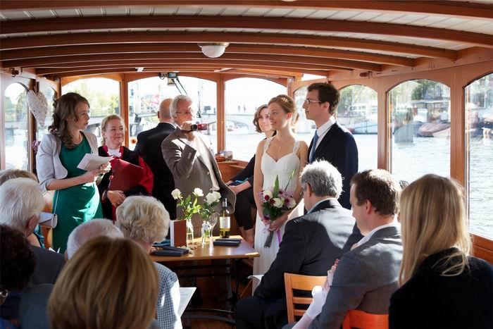 Trouwen aan boord, op een officiele Amsterdamse trouwlocatie