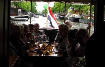 varen in Amsterdam met salonbootverhuur salonboot Hilda rondvaart