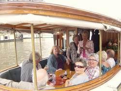 huur salonboot Hilda voor een rondvaart met lunch of diner bij bootverhuur salonboot Hilda Amsterdam