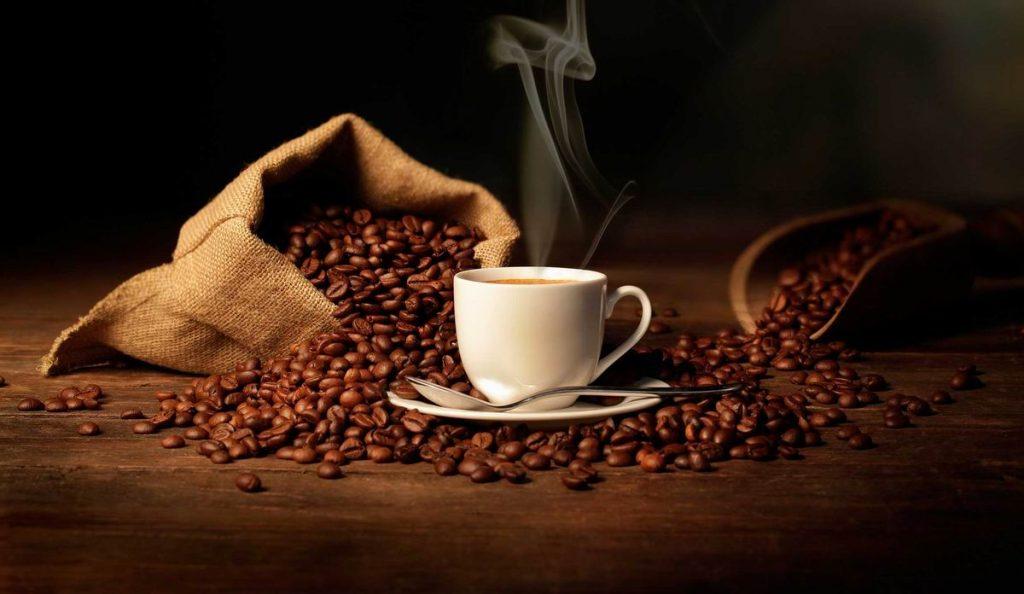 Ontbijt met koffie tijdens de rondvaart