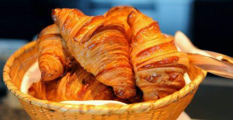 Ontbijt met Croissant tijdens de rondvaart