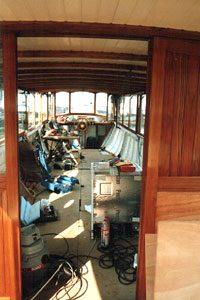 Het nieuwe rondvaartschip nadert zijn voltooiing, de restauratie rondvaartboot haast klaar