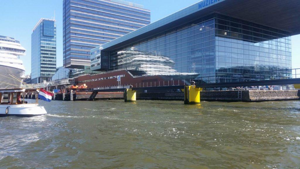 Rondvaart in de haven van Amsterdam