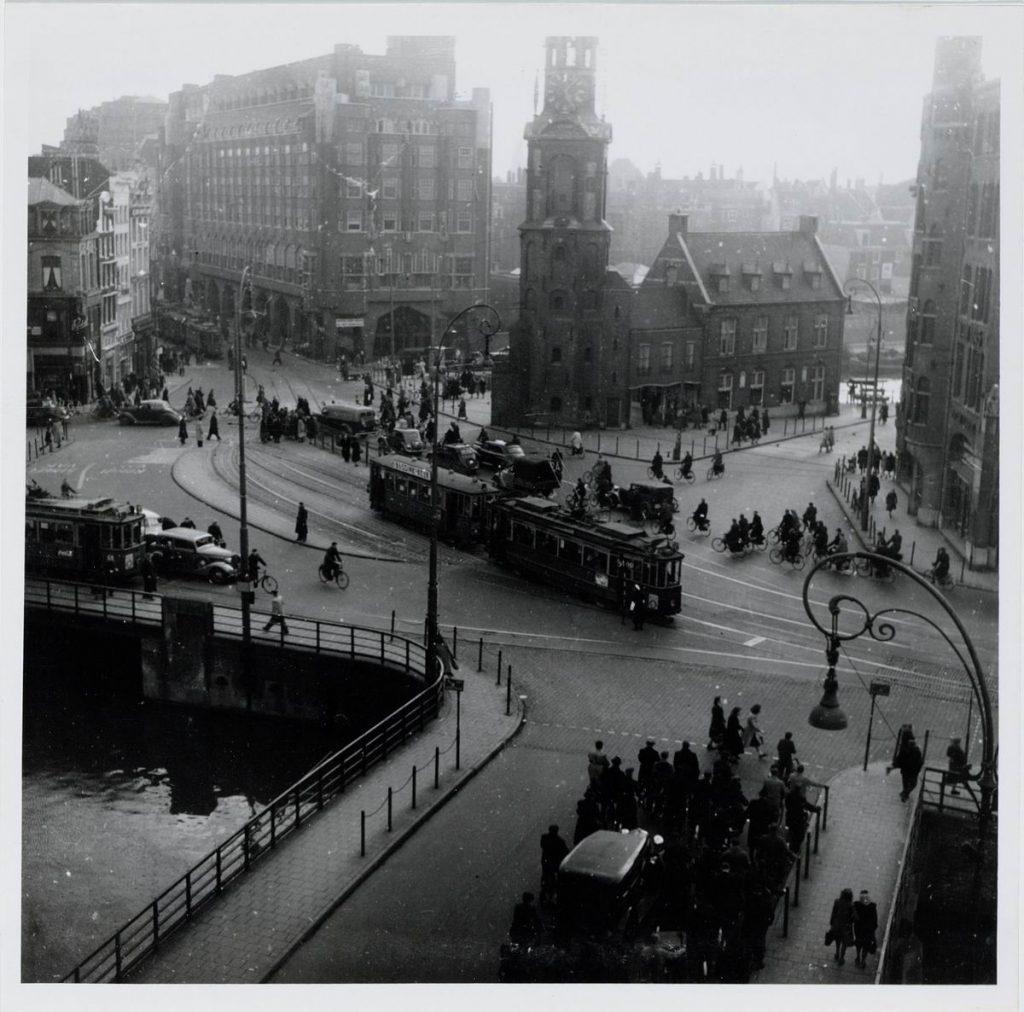 Het Muntplein Foto uit 1949